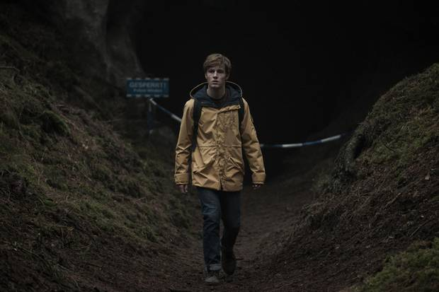 """Mit """"Dark"""" schaffte Louis Hofmann den internationalen Durchbruch - hier in der ersten Staffel als """"Jonas Kahnwald""""."""