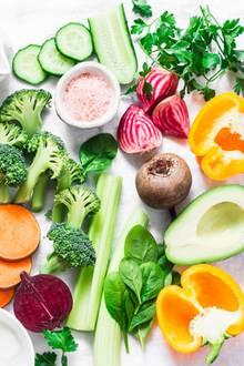 Fettige Haut: Eine vitaminreiche Ernährung hilft gegen Hautunreinheiten.