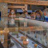 Auf dem ehemaligen und zum Freizeitpark umgewandelten Landgut gibt es für die belgischen Royals viel Geschichtliches zu entdecken.