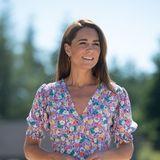 Beim Besuch eines Kinderhospiz' pflanzt Herzogin Catherine nicht nur Blumen ein - sie trägt auch hunderte aufihrem sommerlichen Kleid des Labels Faithfull. Dieser Look erinnert allerdings …