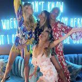 """""""Let's Dance""""-Moderatorin Victoria Swarovski und Nina Neuer machen im Ibiza-Urlaub Party."""