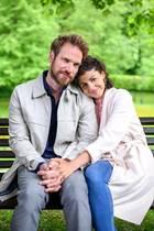 Leonard (Christian Feist) und Pauline (Liza Tschirner) kehren an den Fürstenhof zurück.