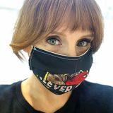 Für Bryce Dallas Howard ist ganz klar: Clevere Leute tragen Maske!