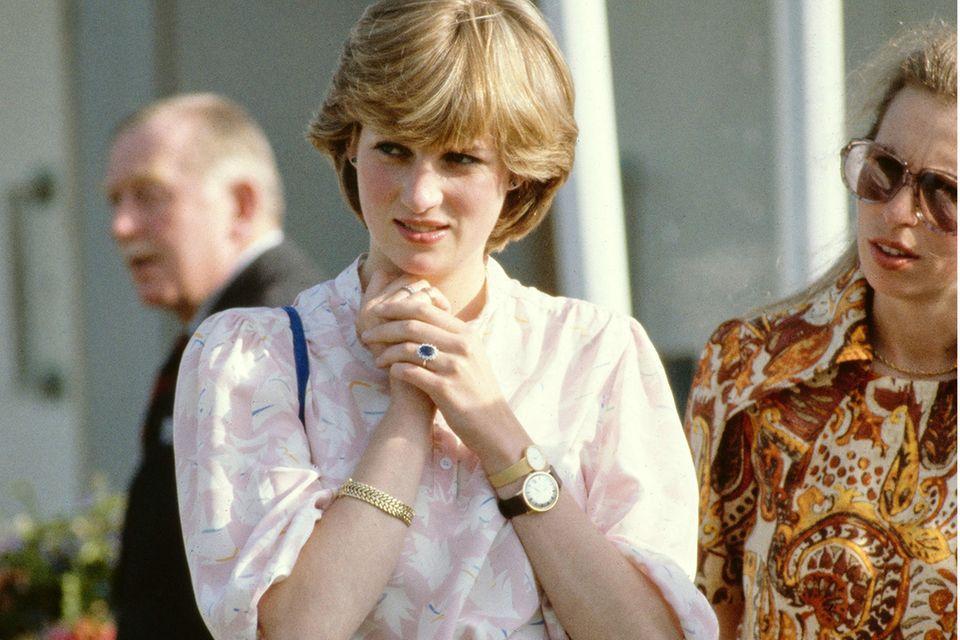 Lady Diana Spencer (†) zeigte sich wenige Wochen vor der Hochzeit mit der Armbanduhr von Prinz Charles - die Geschichte dazu rührt zu Tränen.