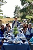 Königin Sonja, König Harald, PrinzessinMärtha Louise mit zwei ihrer Töchtern, Prinz Haakon, Prinzessin Mette-Marit mit den Kindern Prinzessin Ingrid Alexandra und PrinzSverre Magnus