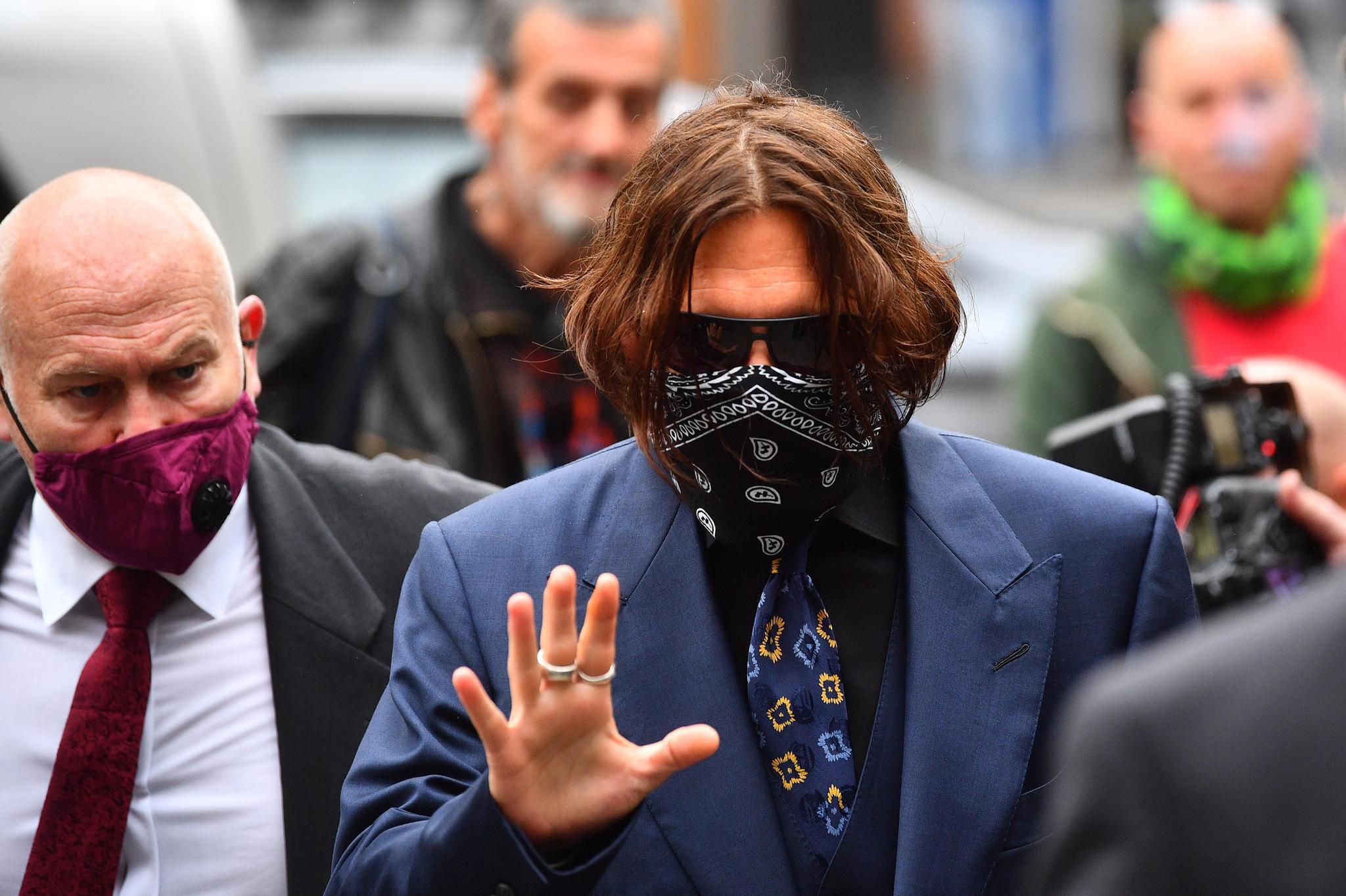 Johnny Depp vor dem High Court in London