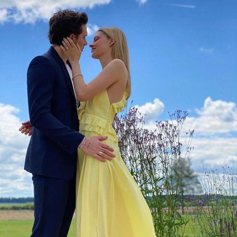 Mit diesem Foto machen Brooklyn Beckham und Nicola Peltz ihre Verlobung offiziell.