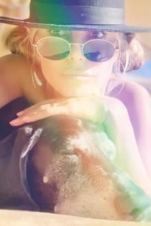 13. Juli 2020  Entspannung pur ist bei Heidi Klum und Vierbeiner Capper angesagt, Toms chilligem Deutsch Kurzhaar. Und dabei entstehen dann auch so schöne Sommer-Selfies wie dieses.