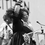 12. Juli 2020: Zindzi Mandela (59 Jahre)  Trauer in Südafrika: Die Politikerin, Lyrikerin und Tochter von Freiheitskämpfer Nelson Mandela (†) ist in einem Krankenhaus in Johannesburg verstorben. Genauere Umstände sind noch nicht bekannt.