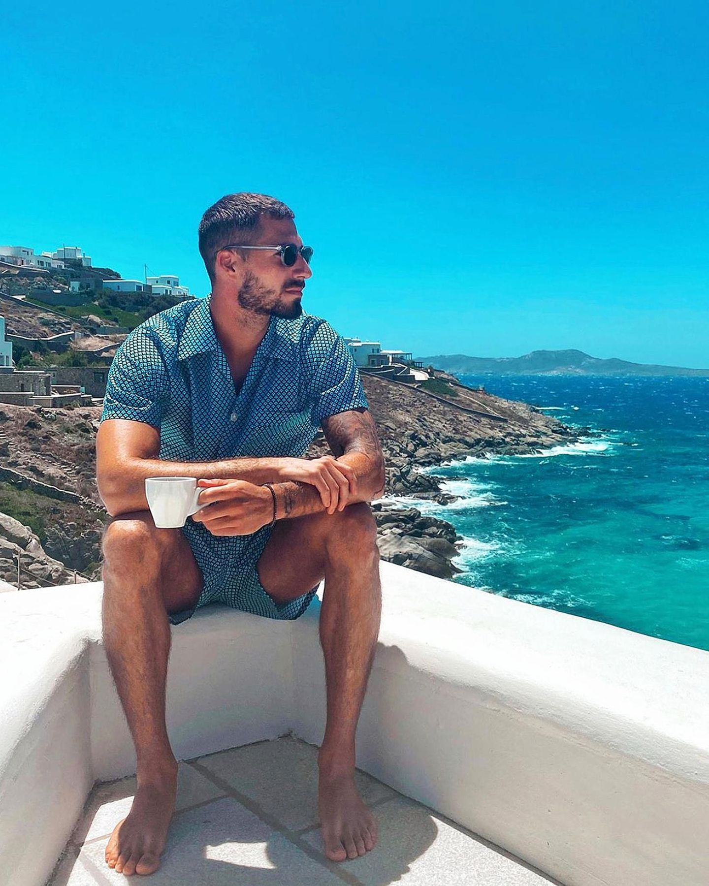 14. Juli 2020  Traumtyp mit Traumblick: Fußballer Kevin Trapp verbringt seine Sommerferien derzeit auf Mykonos und macht seine Instagram-Fans mit diesem azurblauen Urlaubsfoto ganz neidisch.