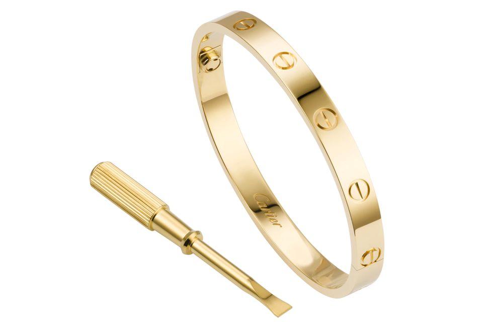 """Das """"Love Bracelet"""" von Cartier zählt zu den meistgesuchten und begehrtesten Schmuckstücken der Welt. Kostenpunkt: ab 6100 Euro"""