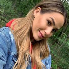 Dieses Selfie postet Angelina Pannek am 15. Juli auf Instagram.