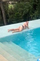 """Comedian Oliver Pocher postet auf seinem Instagram-Account, wie er es nennt, dieses """"erotische Playboy-Foto"""". Was es damit auf sich hat, will er in seiner TV-Show verraten. Wir verkneifen uns einen Kommentar, denn das übernimmt schon ein anderer. Jorge Gonzalez schreibt unter das Bild: """"Bekommst du Zwillinge?"""""""