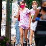 ... denn später trifft sich Suri mit ihren Freundinnen und ihrer Mama Katie Holmes (nicht im Bild) in einem New Yorker Restaurant.