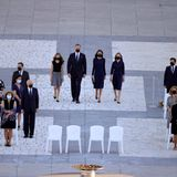 16. Juli 2020  Bei bei der staatlichen Ehrung für die Opfer der Corona-Pandemie in Spanien zeigtsich die spanische Königsfamilie wieder geschlossen: Nicht nur König Felipe und Königin Letizia erscheinen zu der Gedenkfeier auf der Plaza de la Armeria vor dem Königspalast, auch ihre Töchter Prinzessin Leonor und Prinzessin Sofia begleiten sie.