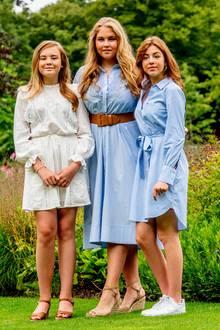 Prinzessin Ariane, das Nesthäkchen, Prinzessin Catharina-Amalia, die künftige Königin, und Prinzessin Alexia die Zweitgeborene von Máxima und Willem-Alexander (v.l.n..r). Auf dieses sympathische Trio ist das Königspaar sicher mächtig stolz!