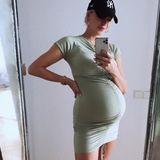 Wenige Tage vor der Geburt zeigt Model Lena Gercke auf Instagram zum letzten Mal ihren prallen Babybauch. Keine drei Wochen später ist davon nichts mehr zu sehen ...