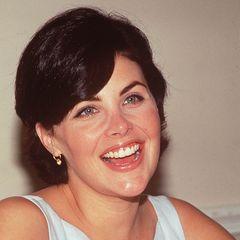 """Sherilyn Fenn  Nach der Scheidung von Lori Anne sind Johnny und der spätere """"Twin Peaks""""-Star Sherilyn Fenn dreieinhalb Jahre lang ein Liebespaar und sogar verlobt. 1988 geht die Beziehung in die Brüche."""