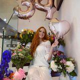 25. Juli 2020  Barbara Meier feiert ihren 34. Geburtstag und bedankt sich auf Instagram mit diesem blumigen Schnappschuss für die lieben Glückwünsche. Ihr schönstesGeschenk hat sie allerdings bereits bekommen: Vor ein paar Tagen ist das Model zum ersten Mal Mutter geworden.