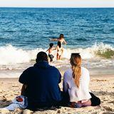 26. Juli 2020  Jennifer Lopez und Alex Rodriguez haben ihren Platz gefunden.Mit diesem schönen Post auf Instagram zeigt die Pop-Queen, wie wichtig ihr die Familieist. Zufriedensitzt das Paar am Strand und beobachtet die Kids beim Toben in den Wellen. Es sind eben die kleinen Dinge im Leben, die glücklich machen.