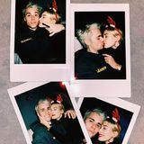 26. Dezember 2019  Justin und Hailey senden via Instagram Weihnachtsgrüße an ihre Fans.