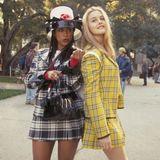 """Stacey Dash (li) und Alicia Silverstone wurden als """"Dionne"""" und """"Cher"""" durch den kultigen Teeniefilm """"Clueless"""" 1995 zu Superstars. Sicherlich wollte damals fast jedes Mädchen mit den It-Girls aus Beverly Hills abhängen oder schmachtete Chers monströsen Kleiderschrank in ihrer Traumvilla an. Heute stehen die Teenie-Idole immer noch vor der Kamera und scheinen kaum gealtert zu sein ..."""