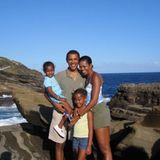 """4. August 2020  """"Herzlichen Glückwunsch an meinen Liebling. Auf all die guten Tage, blauen Himmel und Abenteuer, die noch kommen."""" Mit diesen liebevollen Worten gratuliert MichelleObama ihrem Ehemann Barack Obama auf Instagram und teilt dazu ein schönes Familienfoto aus früheren Tagen."""