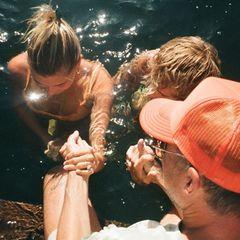 """5. August 2020  Justin Bieber und seine Frau Hailey lassen sich gemeinsam von einem Pastor in einem See taufen. Auf Instagram schreibt Justin Bieber zu dieser Zeremonie: """"Der Moment, in dem meine Frau Hailey Bieber und ich zusammen getauft wurden, war einer der besonderen Momente meines Lebens ... """""""