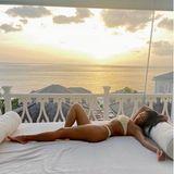 13. August 2020  Sexy Posen im Paradies: Nicole Scherzinger genießt die himmlische Aussicht auf der Karibikinsel St. Lucia.