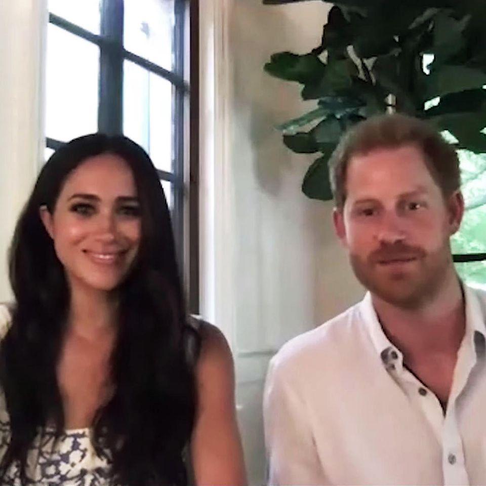 In einem am 20. August 2020 veröffentlichten Video sprechen Herzogin Meghan und Prinz Harry über die Möglichkeiten und Gefahren von Social Media.