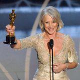 """Ein besondererDank von Helen Mirren geht anKönigin Elizabeth II., derenMut und Beständigkeit sie in ihrer Rede lobt. Mit ihrer Hauptrolle imDrama """"The Queen"""" feiert Mirren 2006 ihren größtenErfolg und erhält dafür einen Oscar sowiezahlreiche weitere Auszeichnungen."""