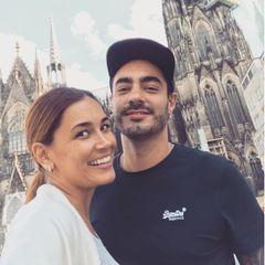 """Jana Ina Zarrella gratuliert ihrem Bruder Leonardo Vizeu Berenhauser Borba mit folgenden Worten zum Geburtstag auf Instagram: """"Heute ist sein Tag - einer der Menschen, den ich am meisten liebe. Meine Hälfte. Mein lieber Bruder, den ich so vermisse. Es gibt keine Worte, die beschreiben könnten, wie sehr ich dich liebe. Gottes Segen für Dich. Du verdienst nur das beste. HAPPY BIRTHDAY""""."""