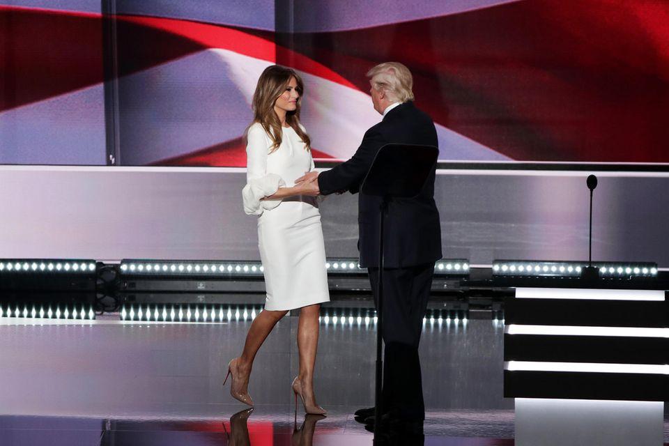 Melania Trump 2016 in einem Kleid von Designerin Roksanda Ilincic.