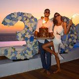"""""""Ich fühle mich wie der glücklichste Mann, dich an meiner Seite zu haben, meine liebe Izabel Goulart"""", schreibt Fußball-Profi zu diesem tollen Foto. Kein Wunder, schließlich hat seine Verlobte eine spektakuläre Überraschungsparty auf Mykonos organisiert. """"Vielen Dank, dass du meine Geburtstagsüberraschung zu einer unvergesslichen gemacht hast"""", bedankt sich Trapp via Instagram."""