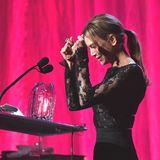 """Oscar-Gewinnerin Renée Zellwegerbekommt 2020 den """"Courage Award"""" des """"Women's Cancer Research Fund"""" als Dank für ihr wohltätiges Engagement überreicht. Die jährlich stattfindende Benefizgala hat in den vergangenen Jahren über vier Millionen US-Dollar eingebracht, die der Krebsforschung zugute kommen."""
