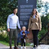 Prinz Carl Philip und Prinzessin Sofia sind mit ihrem Sohn Prinz Gabriel ins Naturschutzgebiet Säterdalen gefahren. Es liegt etwa 200 Kilometer nordwestlich von Stockholm, in der Provinz Dalana. Zu der Region hat Gabriel eine besondere Beziehung: Er ist der Herzog von Dalarna.
