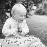 """31. August 2020  """"Grattis vår älskade Gabriel på 3-årsdagen!"""", schreiben Prinzessin Sofia und Prinz Carl Philip auf Instagram zu diesem süßen Foto von ihrem Sohn Prinz Gabriel. Auf Deutsch heißt das: """"Herzlichen Glückwunsch an unseren geliebten Gabriel zu seinem 3. Geburtstag"""". Worüber sich der Kleine hier so dolle freut?Vielleicht ja über den Dinosaurier-Kuchen, der vor ihm steht. Gut möglich, dass der Mini-Royal ein Fan der ausgestorbenen Tiere ist und seine Eltern ihm mit dem Motto-Gebäck eine Freude machen wollen. Man darf also spekulieren, ob Sofia und Carl Philip hier ein süßes Privatdetail über ihren Sohn offenbart haben ..."""