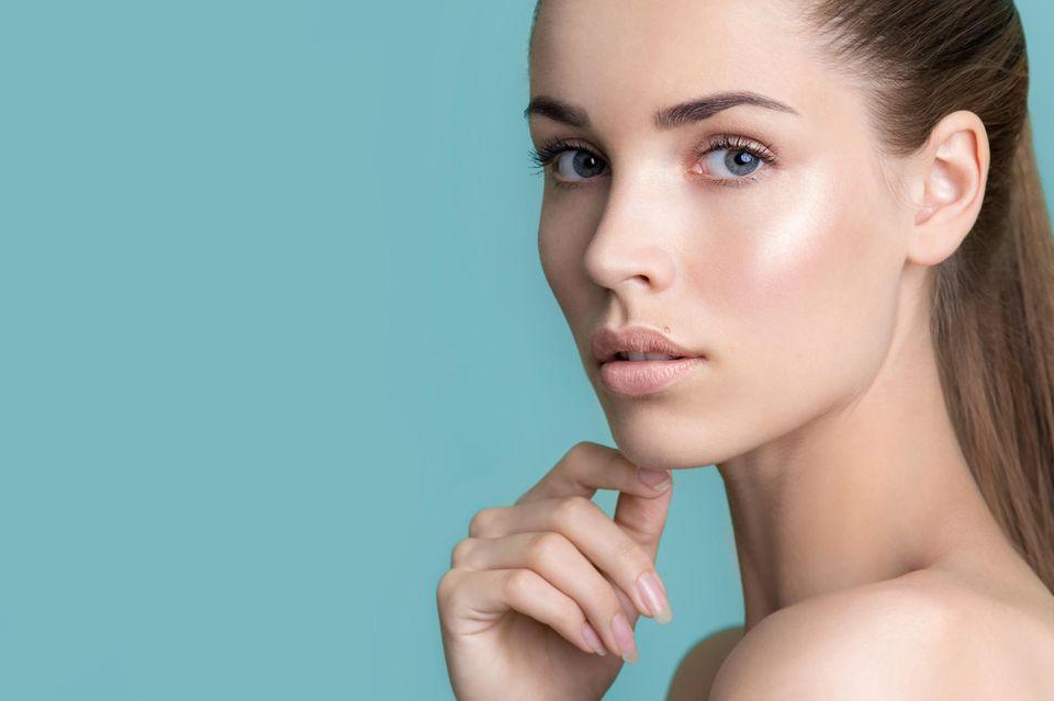 volle, lange Wimpern, junge Frau, natürliche Schönheit