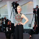 Von Cate Blanchett als diesjähriger Jury-Präsidentin werden wir in den nächsten Tagen noch viele Auftritte und tolle Looks wie diesen bewundern können.