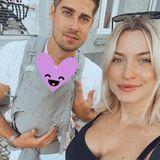 19. Juli 2020  Während Dustin Schöne und Lena Gercke bei ihrem Sonntagsausflug einen kleinen Happen essen, ruht Tochter Zoegeschützt und vor Blicken verdecktan der Brust ihres Vaters.