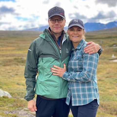 6.September 2020  Ganze 47 Kilometer sind Prinz Daniel und Prinzessin Victoria am Wochenende durch das Jämtland-Dreieck gewandert, um die schöne Berglandschaft Schwedens zu genießen.
