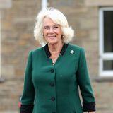Die neue Aufgabe scheint Camilla sichtlich Spaß zu machen. Sicher ist auch Prinz Philip beim Anblick dieser Fotos vom Antrittsbesuch mehr als zufrieden mit seiner Schwiegertochter.