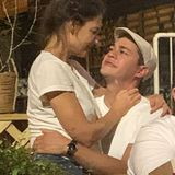 7. September 2020  Frisch verliebt zeigt sich Katie Holmes mit einemneuen Mann an ihrer Seite. In New York sieht man die Schauspielerin kuschelnd und knutschend mit dem Koch Emilio Vitolo.
