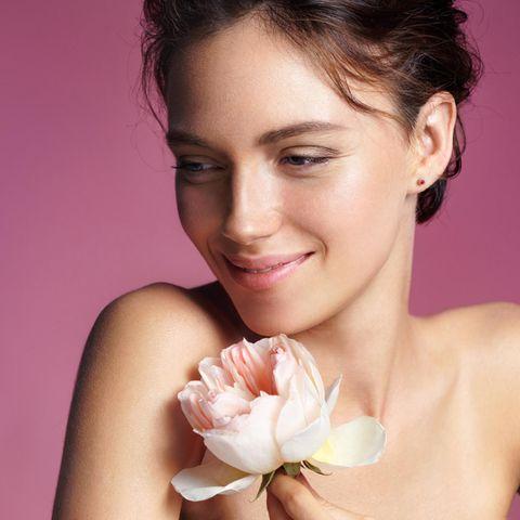 Das kostbare Öl der Rose ist ein wahres Schönheitselixir.