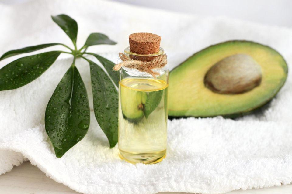 Avocadoöl ist ein tolles Pflegeprodukt für Haut und Haare.