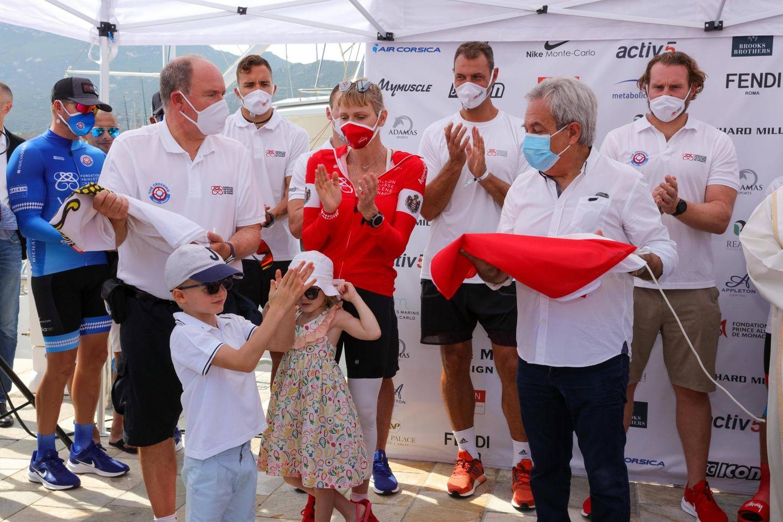 """12. September 2020  Zur großen Waterbike-Challenge """"The Crossing: Calvi-Monaco""""ist die ganze Fürstenfamilie nach Calvi gekommen, um Charlène beim Charity-Event ihrer Stiftung zu unterstützen."""