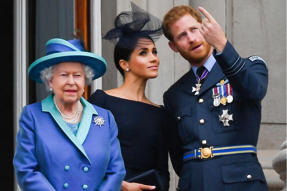 Queen Elizabeth, Herzogin Meghan und Prinz Harry im Juli 2018.