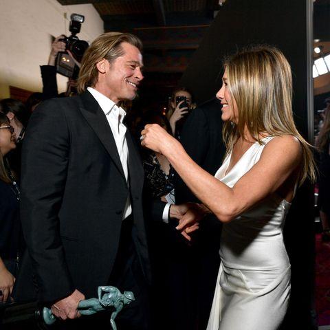 Brad Pitt undJennifer Aniston werden im Januar 2019 erstmals seit Jahren öffentlich gemeinsam gesichtet. Das Ex-Ehepaar trifftsich backstage bei denScreen Actors Guild Awards.
