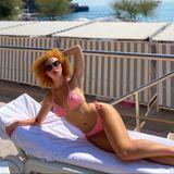 Während in Deutschland so langsam aber sicher der Herbst beginnt, lässt es sich Anna Ermakova zwischen den Reichen und Schönenin Monte-Carlo, Monaco,gut gehen. In einem knappen, rosafarbenen Bikinigenießt das Modelbei angenehmen 28 Grad die Sonne und sendet ihren Fans via Instagram ganz schön heiße Grüße.