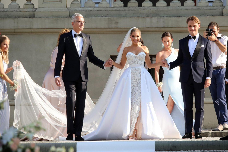 Sylvie Meis: Foto von zweitem Hochzeitskleid auf Instagram  GALA.de